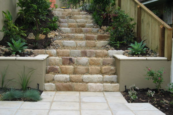 tom-robinson-living-landscapes-noosa-brisbane-stairway- sandstone