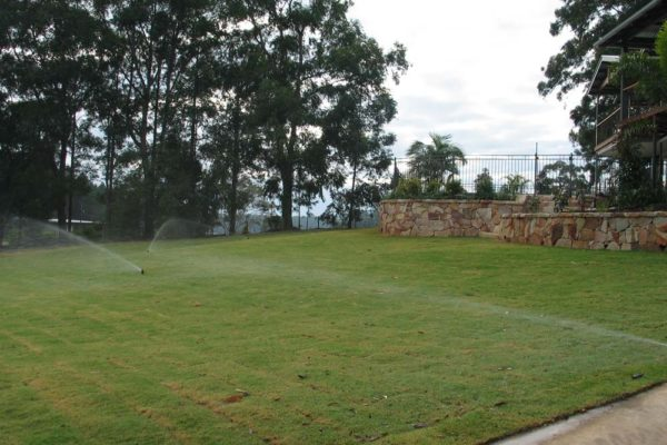 tom-robinson-living-landscapes-noosa-irrigation-retaining-wall-10