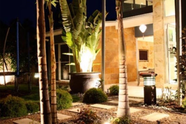 tom-robinson-living-landscapes-noosa-outdoor-lighting-noosaville-3