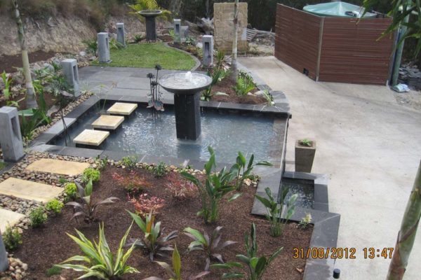 tom-robinson-living-landscapes-noosa-terraced-waterfeature-verrierdale-5